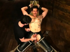 dale-cooper-hot-leather-stud-with-a-fat-cock-gets-edged