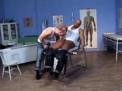 skinhead-cum-clinic-scene-03