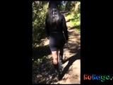 une promenade coquine dans les bois