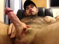 str8-muscle-with-big-blue-eyes-quick-cum