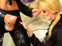 Hot hottie gets licked at gloryhole and slimed by fake dick