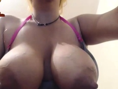 this-large-amateur-cam-girl-has-some-very-big-boobs