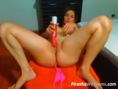 big-ass-latin-chubby-dildoing-on-cam